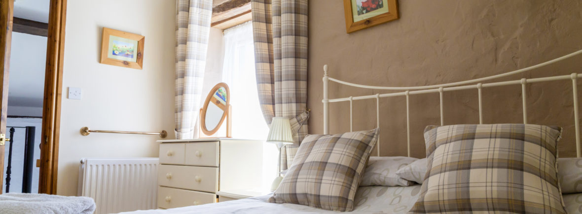 2 bedroom holiday cottage the Hayloft | Cwmcrwth Farm & Holiday Cottages in Wales